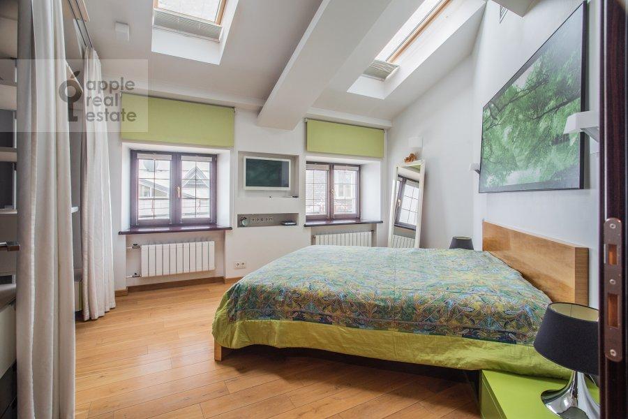 Спальня в 5-комнатной квартире по адресу Брюсов переулок 2/14С3