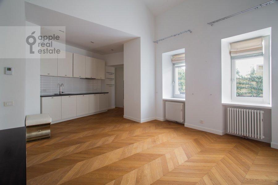 Кухня в 2-комнатной квартире по адресу Никольская ул. 10/2c2б