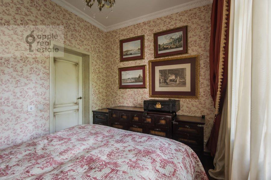 Bedroom of the 2-room apartment at prospekt Mira 124k19