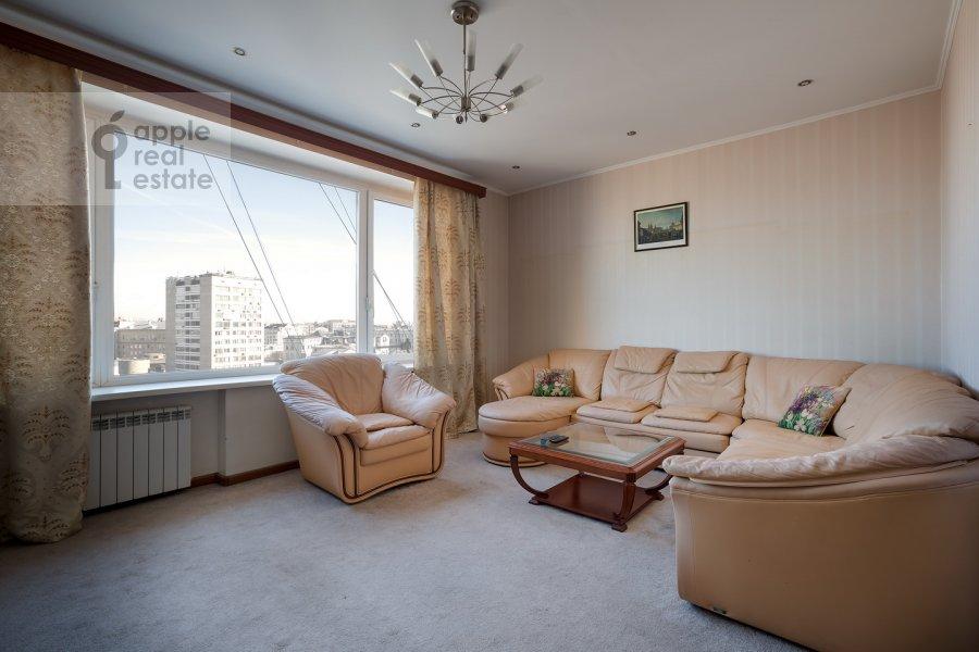 Гостиная в 3-комнатной квартире по адресу Спиридоновка ул. 12