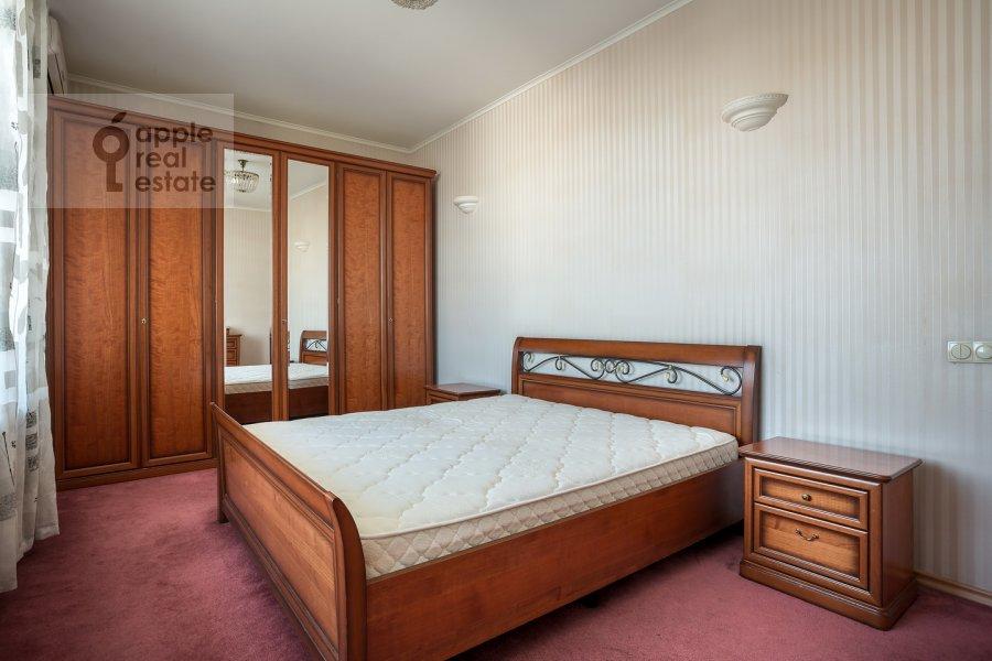 Спальня в 3-комнатной квартире по адресу Спиридоновка ул. 12