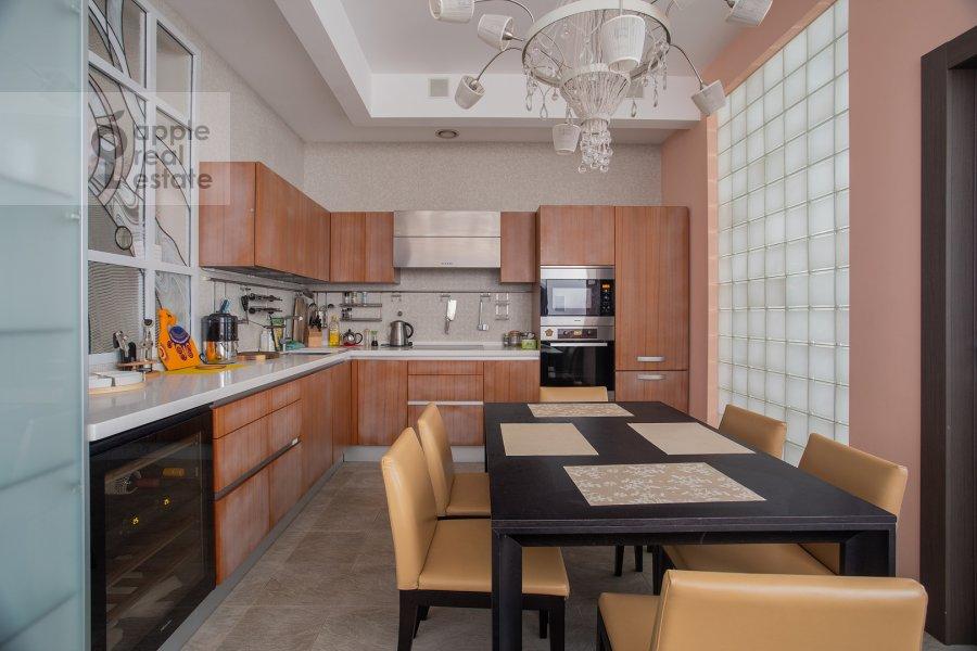 Кухня в 3-комнатной квартире по адресу Новопесковский Малый пер. 8