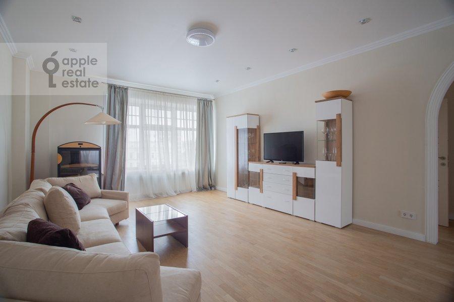 Гостиная в 3-комнатной квартире по адресу Малая Ордынка 3