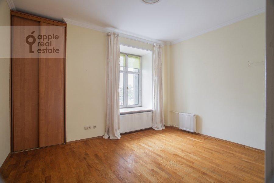 Bedroom of the 3-room apartment at Malaya Ordynka 3