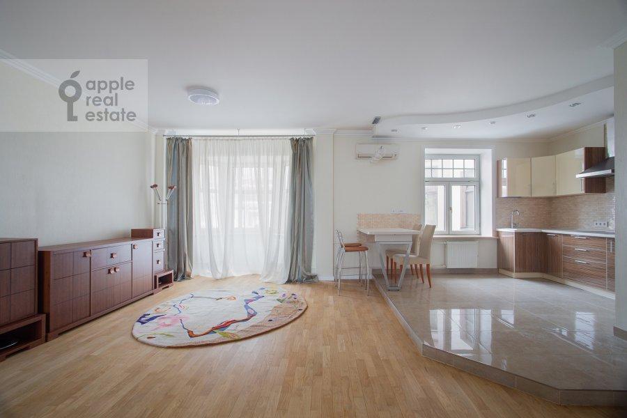 Кухня в 3-комнатной квартире по адресу Малая Ордынка 3