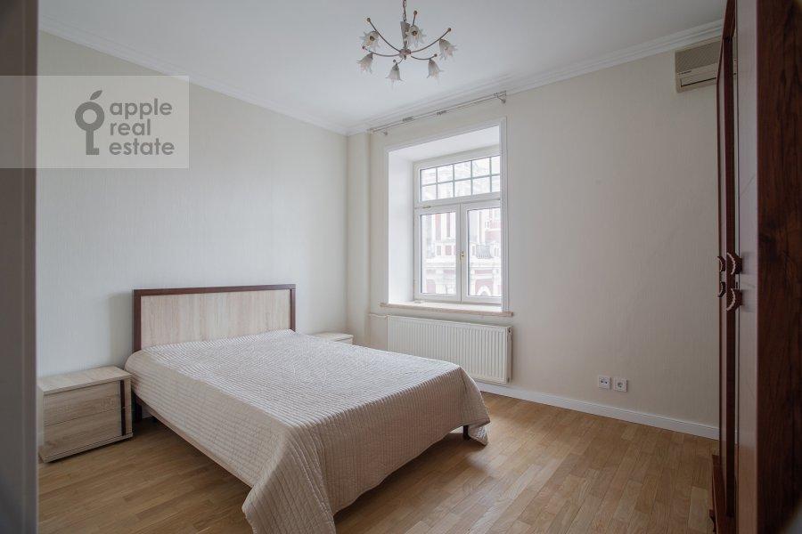 Спальня в 3-комнатной квартире по адресу Малая Ордынка 3