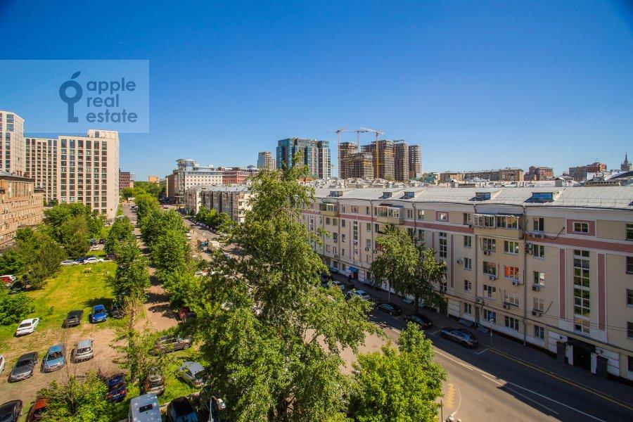 Вид из окна в 2-комнатной квартире по адресу Шмитовский проезд 16с1