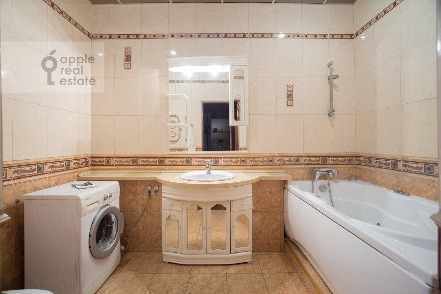 Санузел в 2-комнатной квартире по адресу Шмитовский проезд 16с1