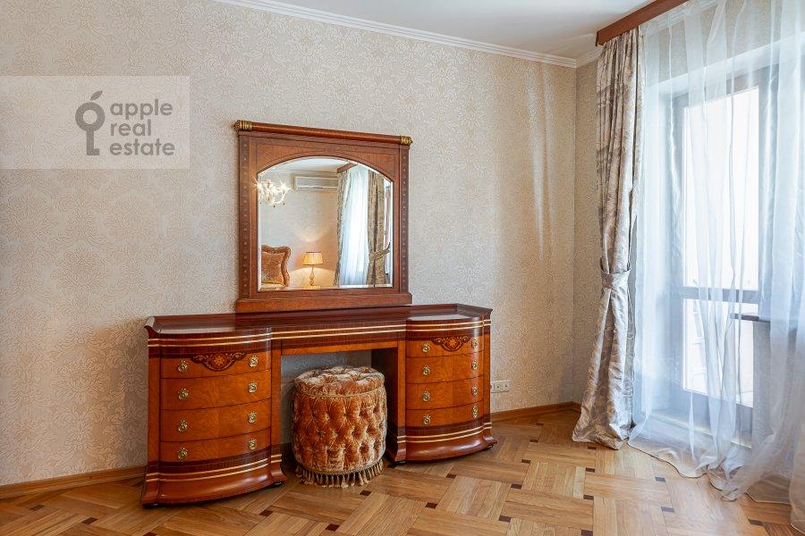 Bedroom of the 2-room apartment at 2-ya Tverskaya-Yamskaya ulitsa 26