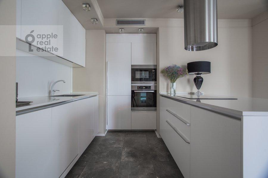 Кухня в 3-комнатной квартире по адресу Хилков переулок 5