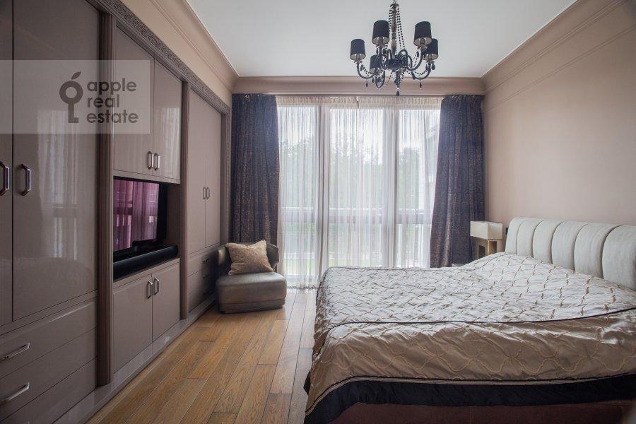 Спальня в 3-комнатной квартире по адресу Хилков переулок 5