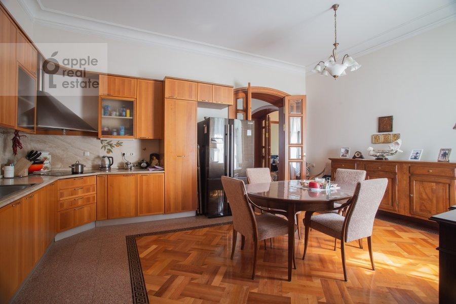 Kitchen of the 6-room apartment at Bol'shoy Afanas'evskiy pereulok 15S1