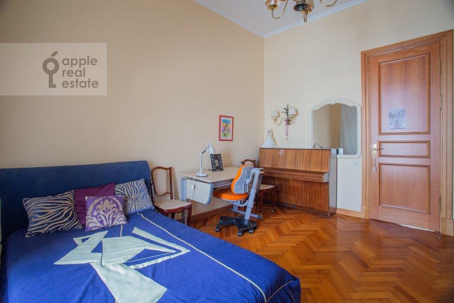 Bedroom of the 6-room apartment at Bol'shoy Afanas'evskiy pereulok 15S1