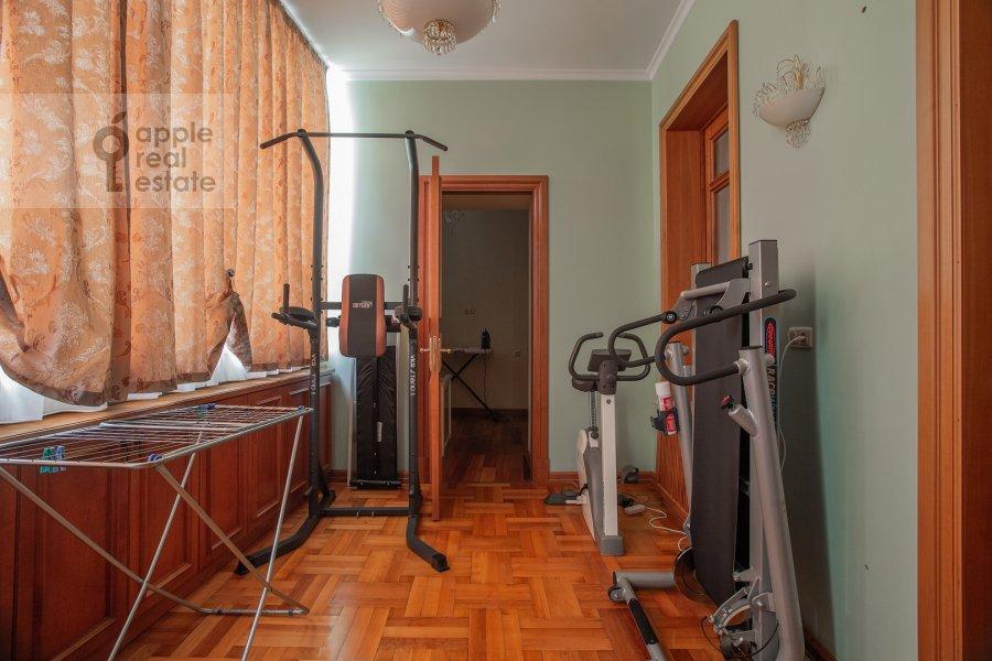 Walk-in closet / Laundry room / Storage room of the 6-room apartment at Bol'shoy Afanas'evskiy pereulok 15S1