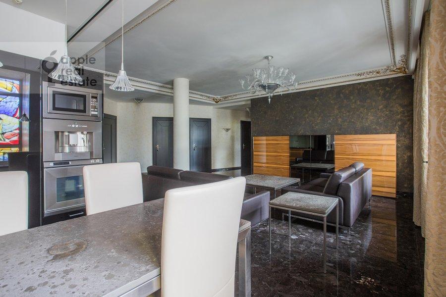 Гостиная в 4-комнатной квартире по адресу Малая Ордынка 13с1