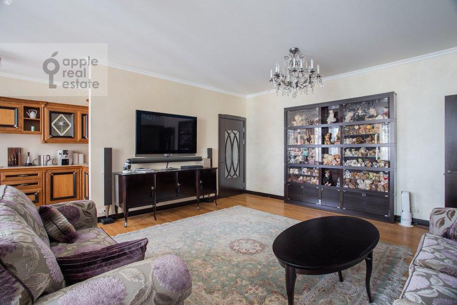 Living room of the 3-room apartment at Krylatskaya ulitsa 45K2