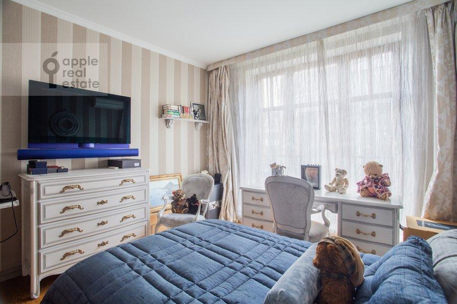 Bedroom of the 3-room apartment at Krylatskaya ulitsa 45K2