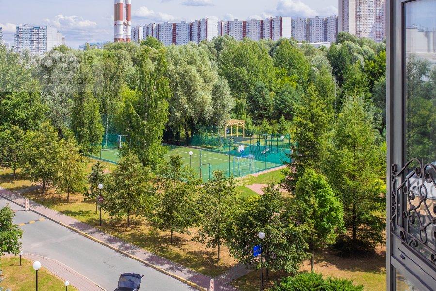 View from the window of the 3-room apartment at Krylatskaya ulitsa 45K2