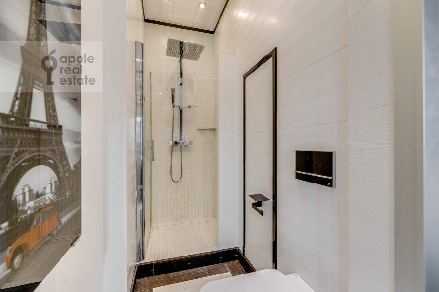 Bathroom of the 3-room apartment at Marshala Zhukova pr-t. 78