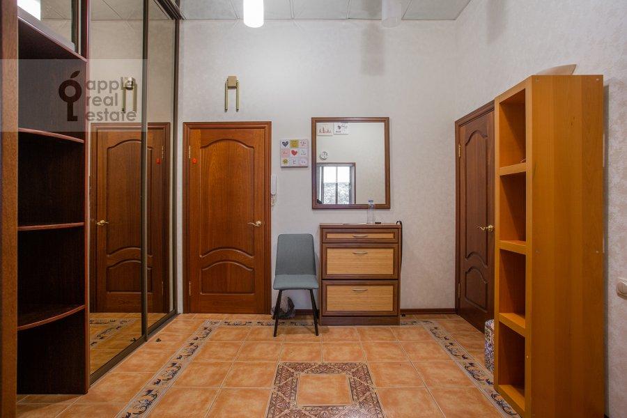Коридор в 3-комнатной квартире по адресу Б. Николопесковский пер. 3