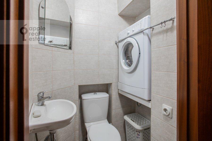 Санузел в 3-комнатной квартире по адресу Б. Николопесковский пер. 3