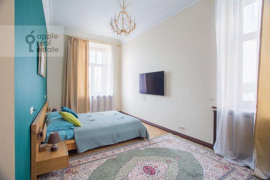 Bedroom of the 6-room apartment at Ostozhenka 3/14