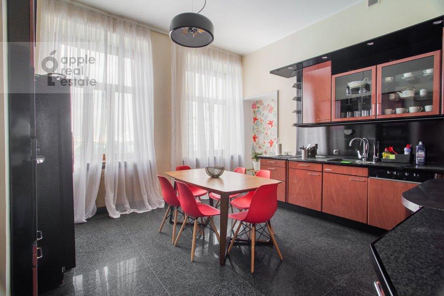Kitchen of the 6-room apartment at Ostozhenka 3/14