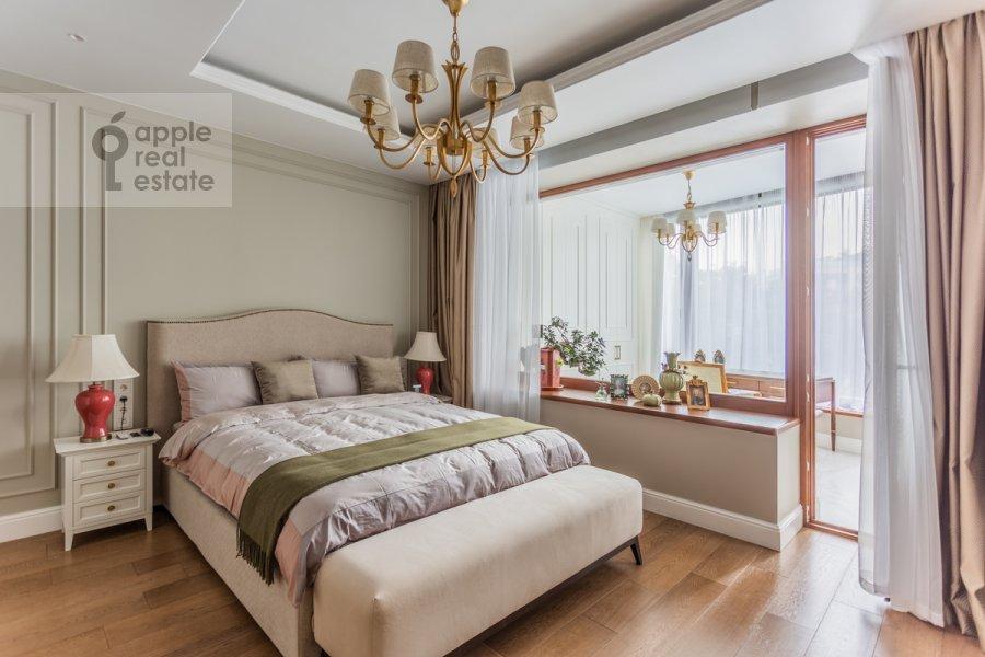Bedroom of the 5-room apartment at Spiridonovka 18