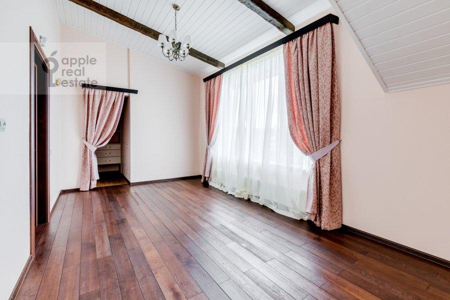 Спальня в 3-комнатной квартире по адресу жилой комплекс Ангелово-Резиденц 83