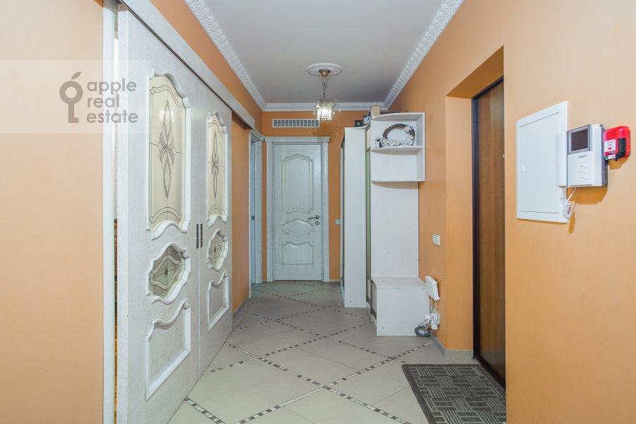 Corridor of the 2-room apartment at prospekt Vernadskogo 27k1