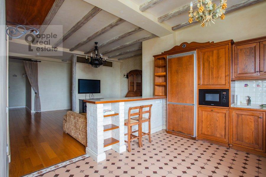 Kitchen of the 4-room apartment at Raspletina ul. 22k2