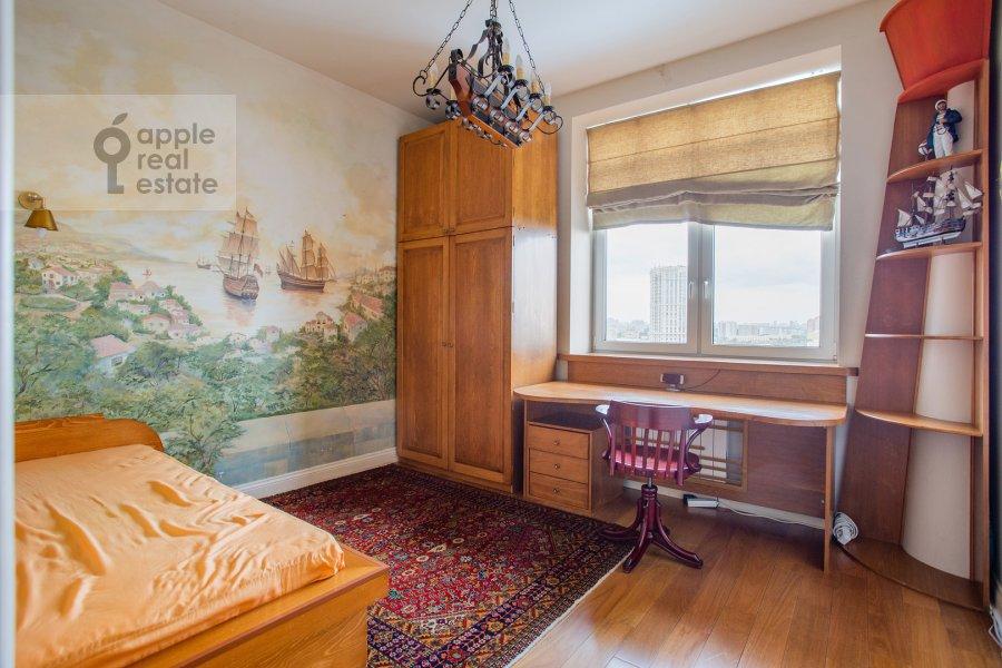 Children's room / Cabinet of the 4-room apartment at Raspletina ul. 22k2