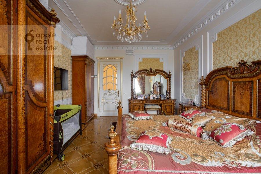 Bedroom of the 4-room apartment at Davydkovskaya ulitsa 3