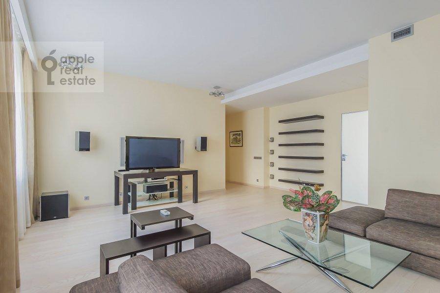 Гостиная в 3-комнатной квартире по адресу Даев пер. 33