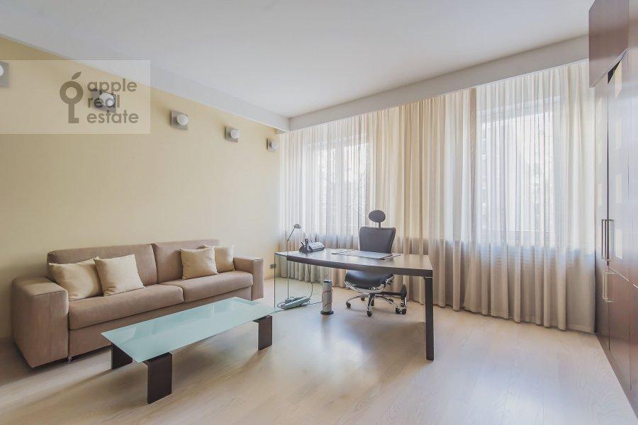 Детская комната / Кабинет в 3-комнатной квартире по адресу Даев пер. 33