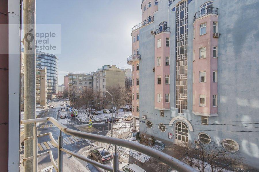 Вид из окна в 3-комнатной квартире по адресу Даев пер. 33