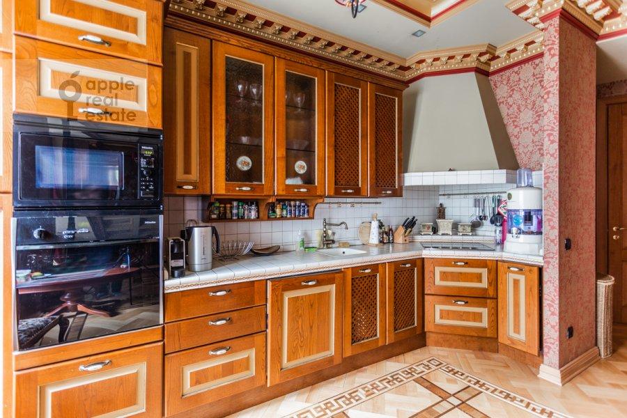 Кухня в 3-комнатной квартире по адресу Бронная Малая ул. 44