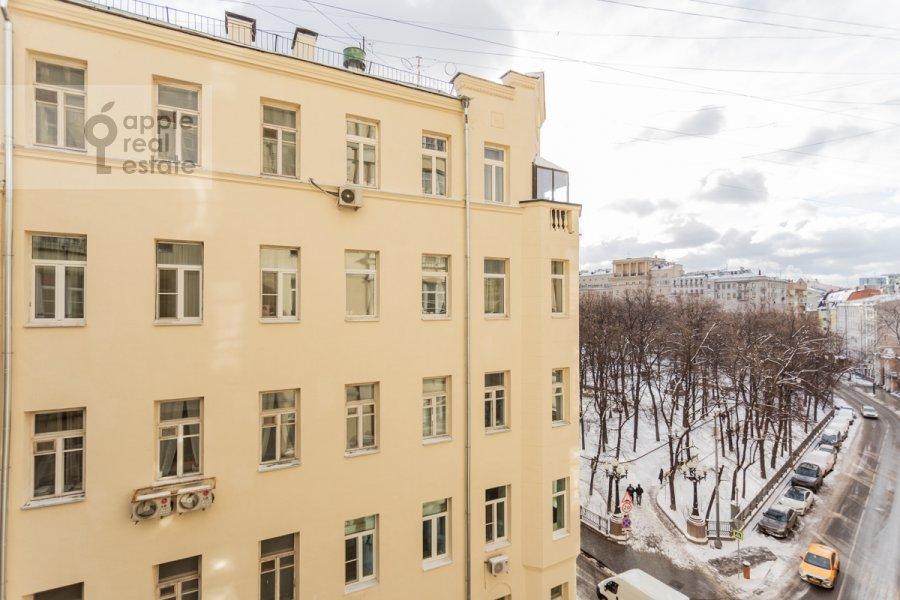 Вид из окна в 3-комнатной квартире по адресу Бронная Малая ул. 44