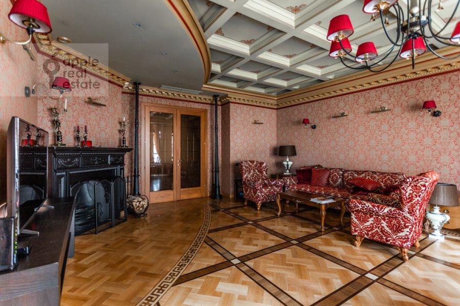 Гостиная в 3-комнатной квартире по адресу Бронная Малая ул. 44