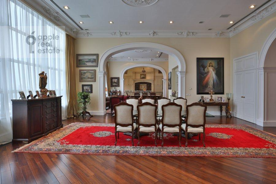 Living room of the 6-room apartment at Ivan'kovskoe shosse 5