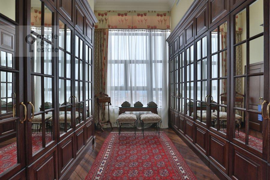 Гардеробная комната / Постирочная комната / Кладовая комната в 6-комнатной квартире по адресу Иваньковское шоссе 5