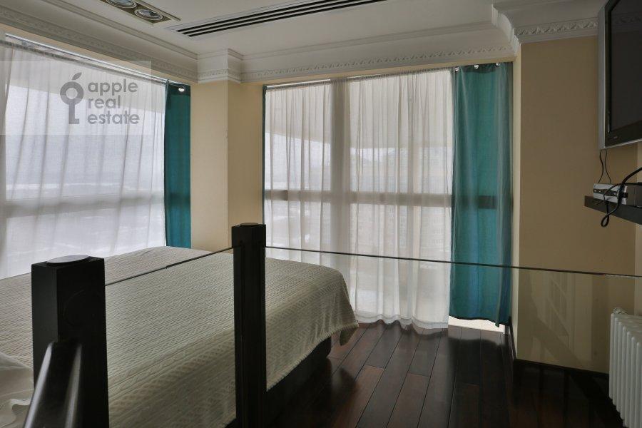 Bedroom of the 6-room apartment at Ivan'kovskoe shosse 5