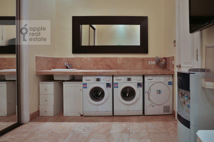 Walk-in closet / Laundry room / Storage room of the 6-room apartment at Ivan'kovskoe shosse 5