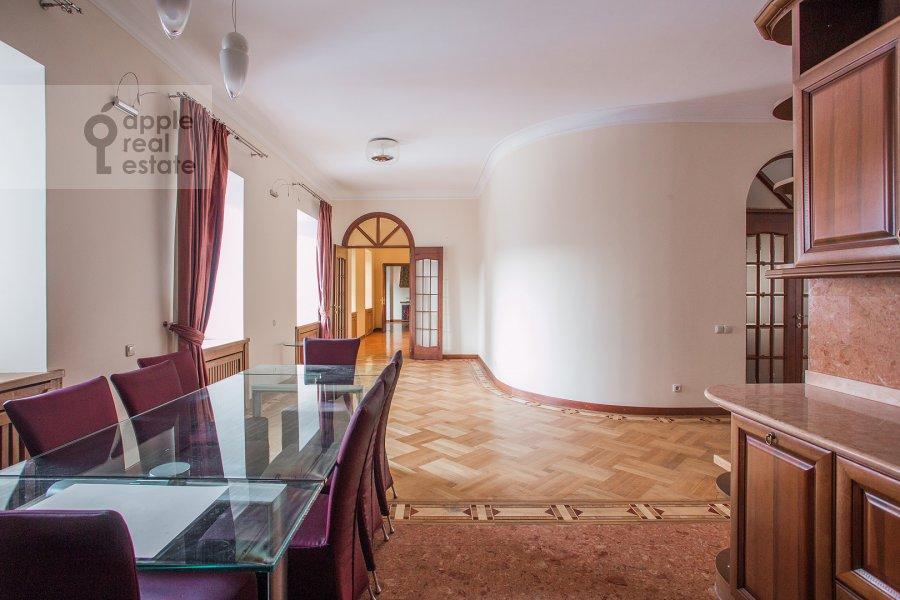 Кухня в 6-комнатной квартире по адресу Яковоапостольский переулок 9с2