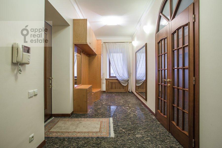 Коридор в 6-комнатной квартире по адресу Яковоапостольский переулок 9с2