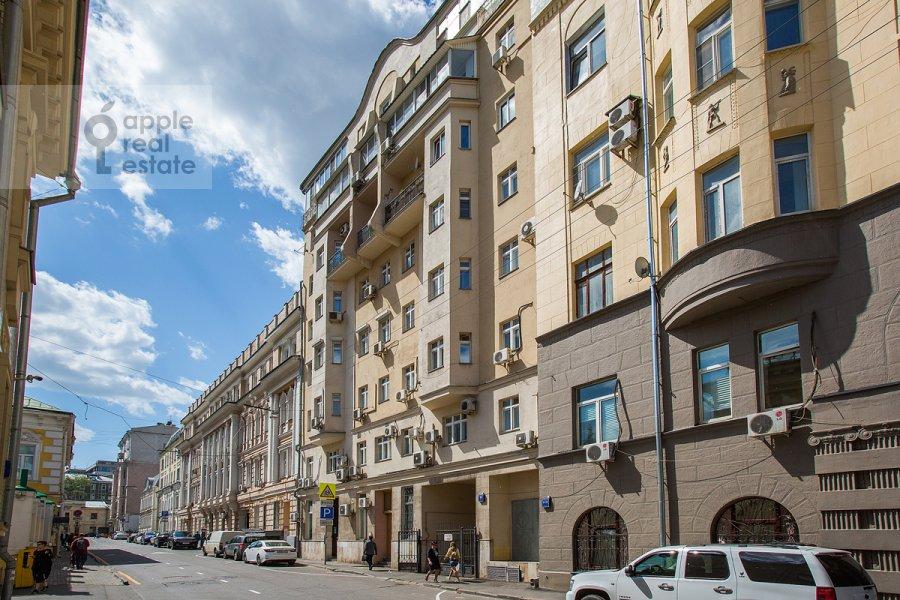 Фото дома 6-комнатной квартиры по адресу Яковоапостольский переулок 9с2