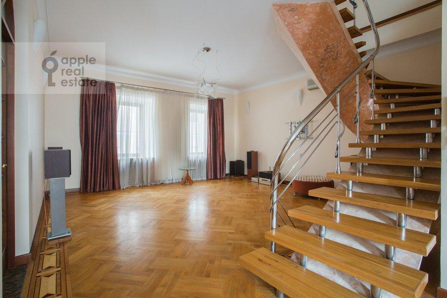 Гостиная в 6-комнатной квартире по адресу Яковоапостольский переулок 9с2