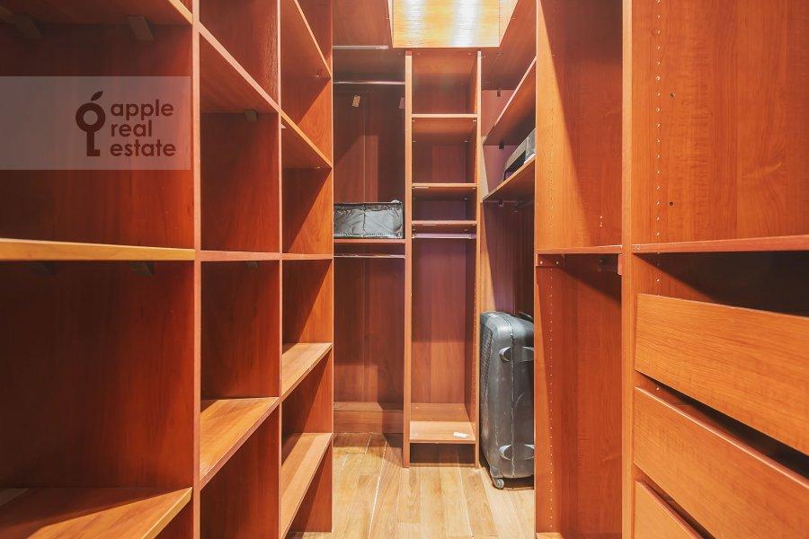 Walk-in closet / Laundry room / Storage room of the 3-room apartment at Marshala Sokolovskogo ul. 5