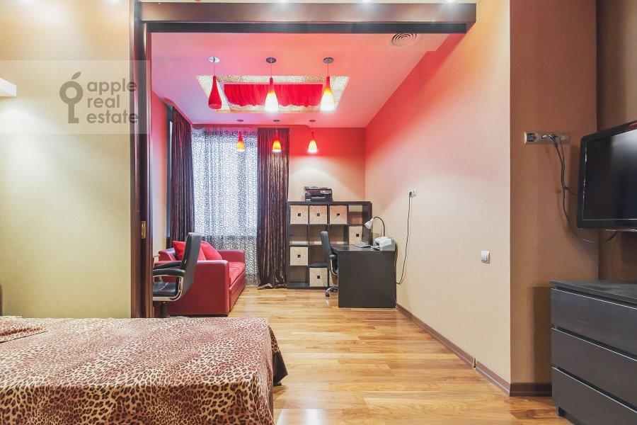 Children's room / Cabinet of the 3-room apartment at Marshala Sokolovskogo ul. 5