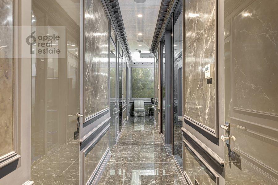 Corridor of the 5-room apartment at Prechistenka ul. 27